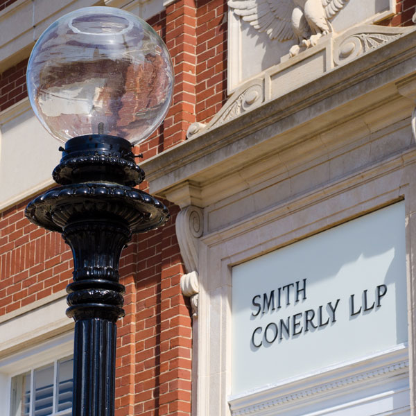 smith-conerly-llp_lamppost